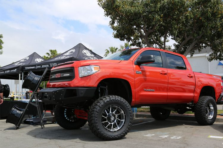 2crave-toyota-tundra-offroad-toyotafest